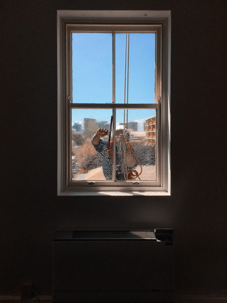 Top 5 Strategies to Cleaning Windowpanes