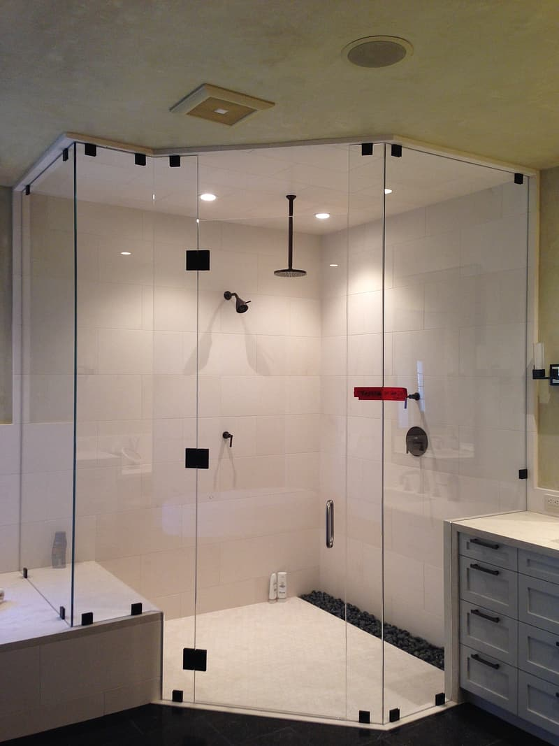 Types of Glass Shower Enclosures