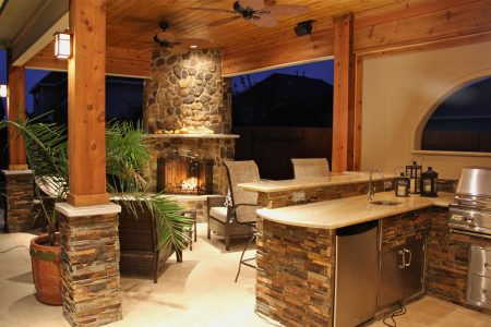 Custom Kitchen Cabinets for Your Outdoor Kitchen