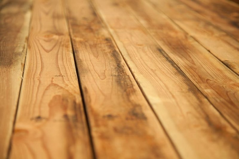 4 Essential Steps for Making a Deck Out of Pallets
